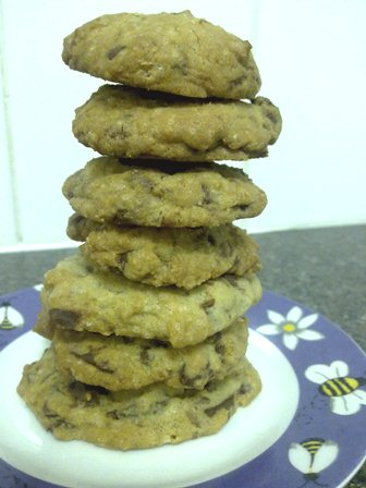 chocolate chip cookies all in a big stack on top of each other (like a tower)